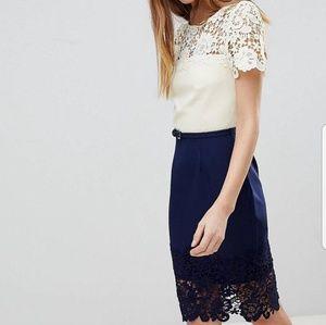 Navy & Cream Lace Panel Dress Size 20 NWOT